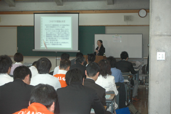 講師 東畠弘子氏「福祉用具事業の質と今後の方向性」など